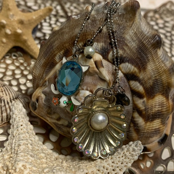 Vintage- Betsey Johnson- Sea Turtle Necklace